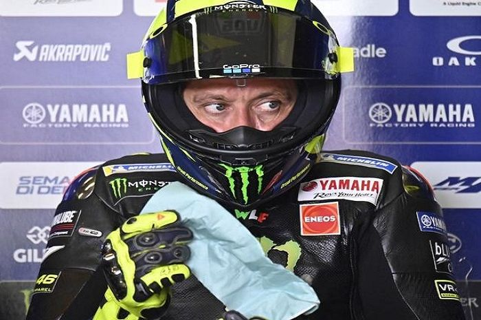 Pembalap Monster Energy Yamaha, Valentino Rossi mengungkapkan dirinya salah strategi di FP1 dan FP2 MotoGP Styria 2020.