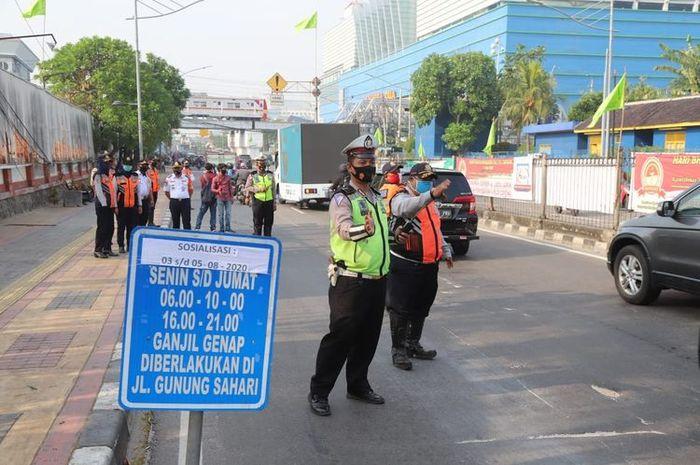 Ilustrasi PSBB dibandung, Sebagian ruas jalan berlaku buka tutup