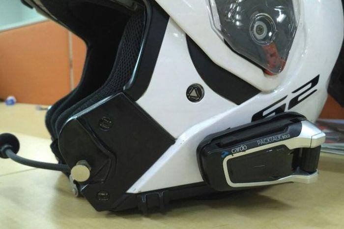 Begini cara merawat intercom helm Cardo Packtalk