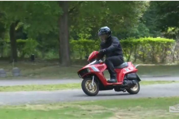 Pernah viral, ini dia video nenek moyang Honda BeAT ketika dipakai jalan, kencang dan ngebul loh, bro!