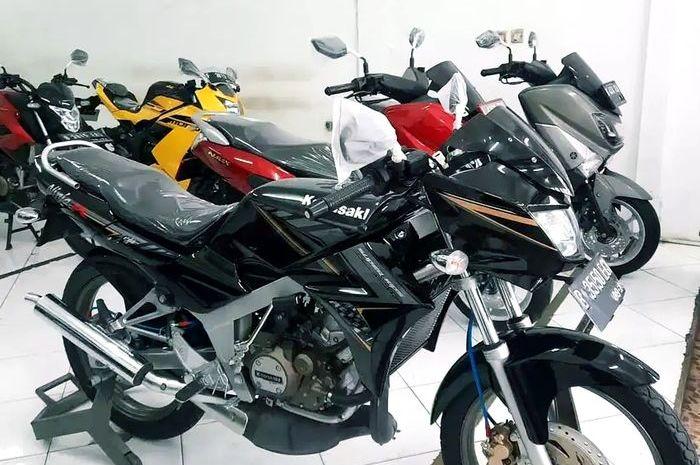 Gak percaya, update harga Kawasaki Ninja 150 R mulus seken cuma seharga motor matic nih.