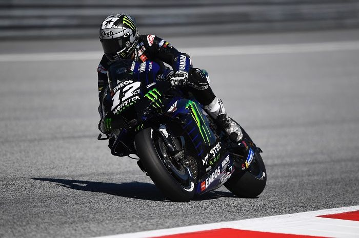 Maverick Vinales gagal raih podium akibat kecelakaan Valentiso Rossi