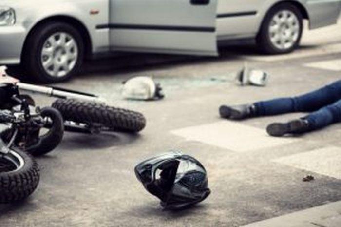 Ilustrasi Kecelakaan  Motor, adu banteng antara Honda Beat dan Yamaha F1ZR pengendara mengalami luka parah dan masih selamat.