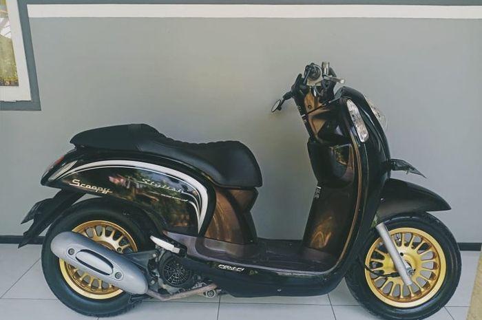 Kisaran 3 jutaan untuk modifikasi Honda Scoopy bertampang ala skutik cafe racer.