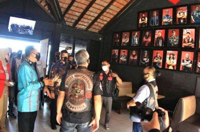 Ketua MPR RI, Bambang Soesatyo menyambangi komunitas motor Bikers Brotherhood Motor Cycle (BBMC) Bandung.