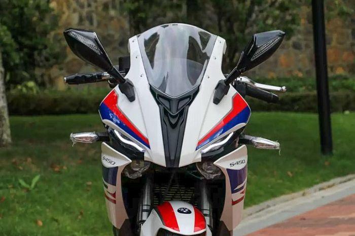 Cuma seharga Yamaha NMAX, motor baru kembaran BMW S1000RR bikin penasaran.