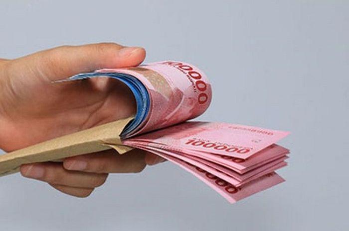 Ilustrasi uang tunai. Biar Senyum Pas Lebaran, Ini Syarat Supaya Dapat 6 Bantuan Pemerintah