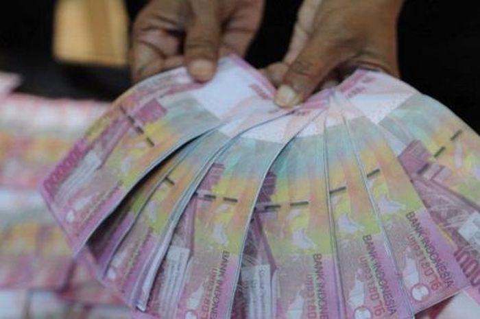 Siapin ATM, Buku Tabungan dan KTP Bantuan Uang Tunai Rp 2,4 Juta Langsung Cair