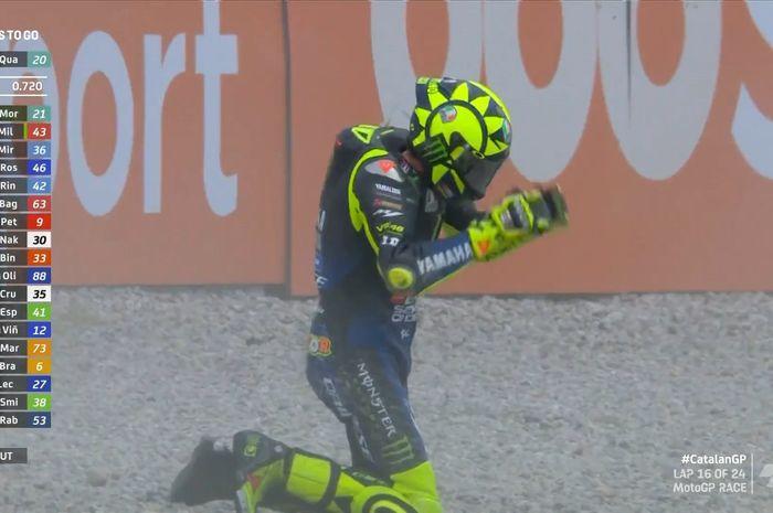 Valentino Rossi terjatuh di MotoGP Catalunya 2020