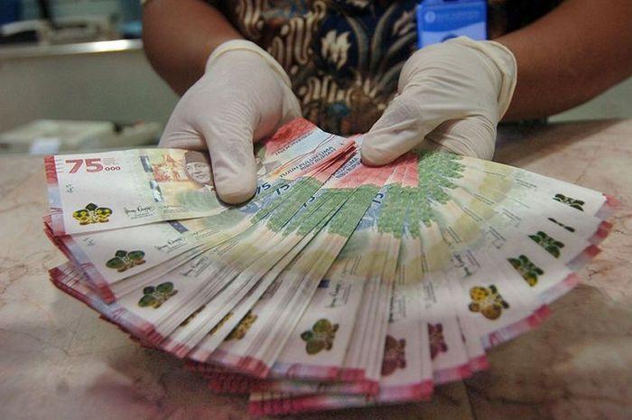 Buat bikers yang belum punya, mulai hari ini penukaran uang Rp 75.000 bisa di semua bank.