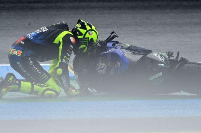 Tiga kali jatuh berturut-turut, gelar juara dunia MotoGP 2020 buat pembalap Monster Energy Yamaha, Valentino Rossi sudah pupus?