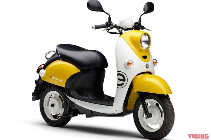 Motor listrik Yamaha E-Vino 2021 dengan kelir kuning-putih