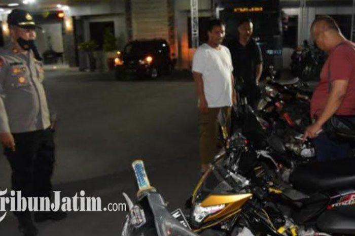 Sebanyak 6 motor diamankan oleh petugas Polres Pamekasan, Madura, Jawa Timur karena ketahuan ingin melakukan balap liar.
