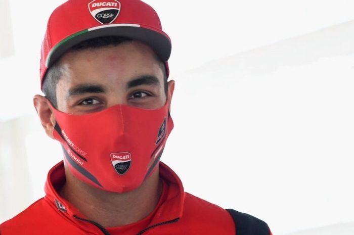 Pembalap tim Mission Winnow Ducati, Danilo Petrucci mengaku kalau rekan satu timnya, Andrea Dovizioso marah banget sama dia.