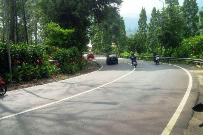bikers mau pergi atau liburan? Waspada 32 wilayah Indonesa ini masih zona merah.