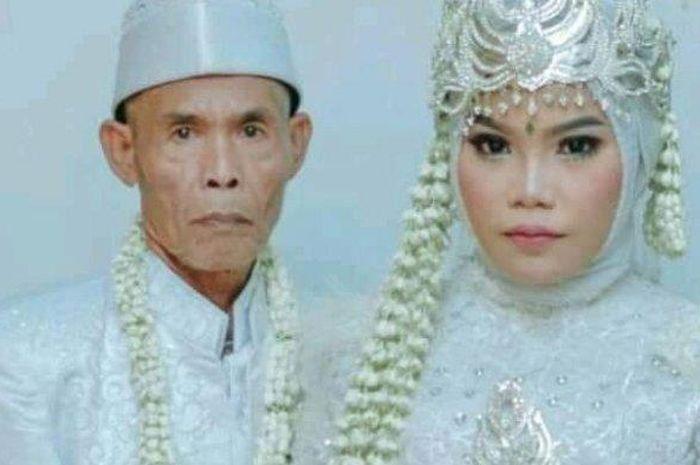 Subang heboh, viral kakek 71 tahun nikahi gadis muda, seserahahannya bikin melongo, ada motor dan barang mahal lainnya.