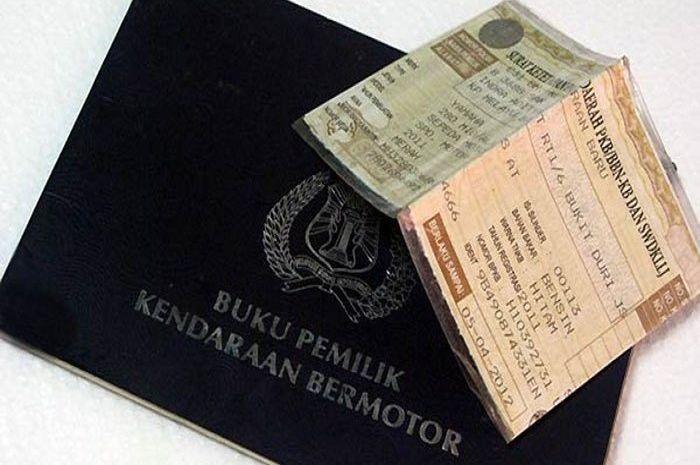 Ilustrasi STNK dan BPKB. Bayar pajak kendaran sekarang mumpung dendanya dihapus lagi.
