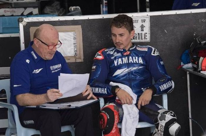 Pembalap test rider Yamaha, Jorge Lorenzo berpeluang gantikan Valentino Rossi yang masih positif Covid-19 di MotoGP Eropa 2020?