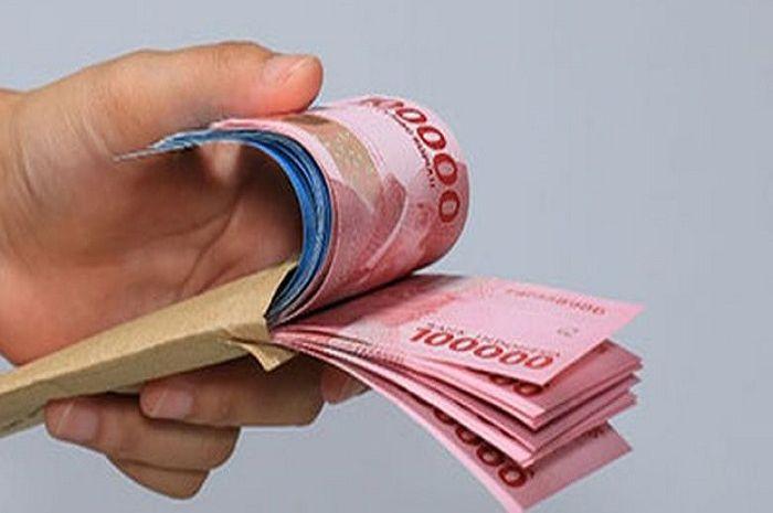 Bantuan langsung tunai (BLT) Rp 1,8 juta cair, bikers bisa nabung dan hemat uang bensin segini.
