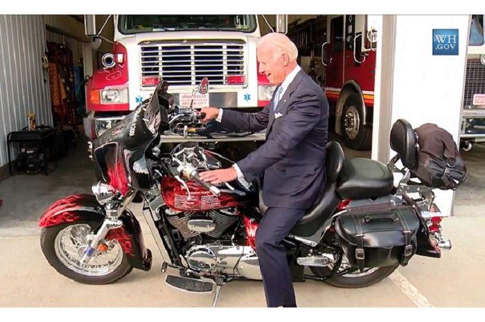 Ternyata presiden Amerika Serikat, Joe Biden, menyukai motor loh!