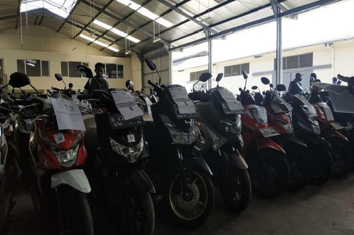 Murah banget! Honda BeAT dijual cuma Rp 2 jutaan di balai lelang, Yamaha NMAX dan motor bekas lainnya segini doang.