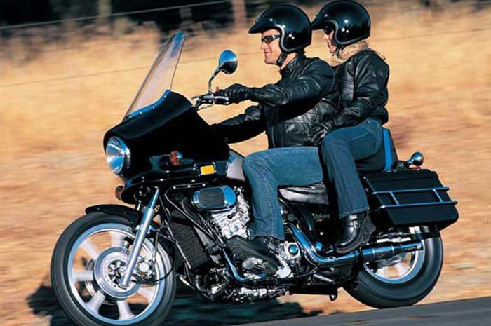 Ilustrasi. Suka riding bareng, nih tips aman boncengan saat berkendara motor.