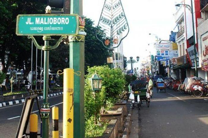 Malioboro resmi ditetapkan sebagai Kawasan Tanpa Rokok (KTR) jika melanggar dendanya setara dengan Honda Beat seken tahun 2014