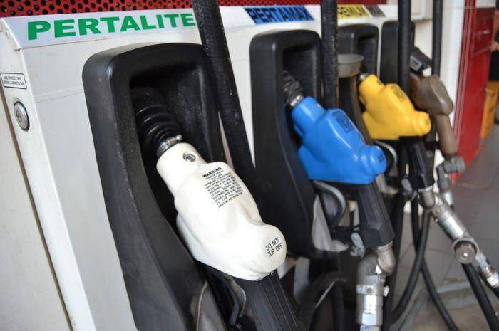 Ilustrasi. Bukan Premium bro, nih daftar rekomendasi bensin motor generasi milenial.