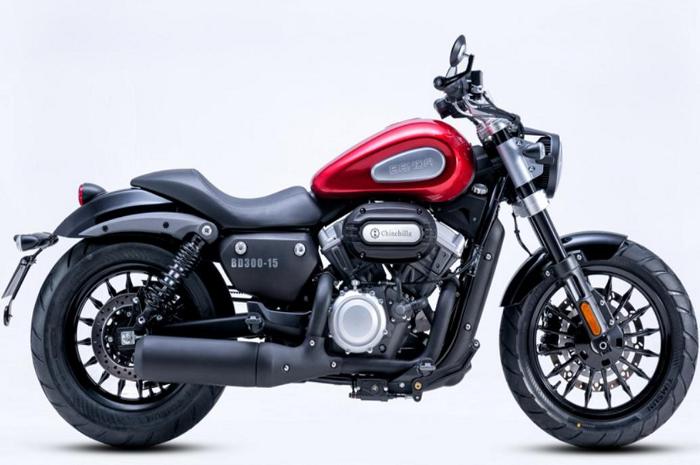 Motor baru kembaran Harley-Davidson punya mesin V-Twin mirip moge, harganya setara motor matic doang!