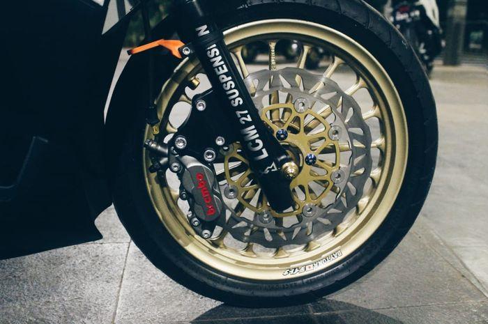Biaya setara Honda BeAT seken, modifikasi Honda Vario125 sektor rem hedon banget nih.