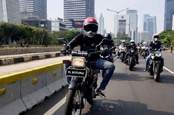 Kocak, pimpin konvoi moge naik Yamaha RX-King, Desta malah diteriaki copet.
