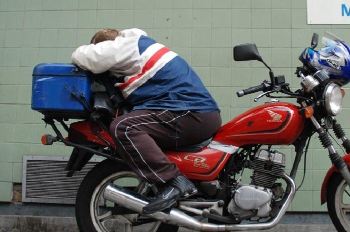 Bikers insomnia alias sulit tidur coba konsumsi 12 makanan ini, ada nasi putih juga bro.