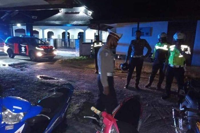 Balap liar kembali ramai, kini polisi gelar razia motor pakai knalpot brong di Kota Masohi, Maluku Tengah.