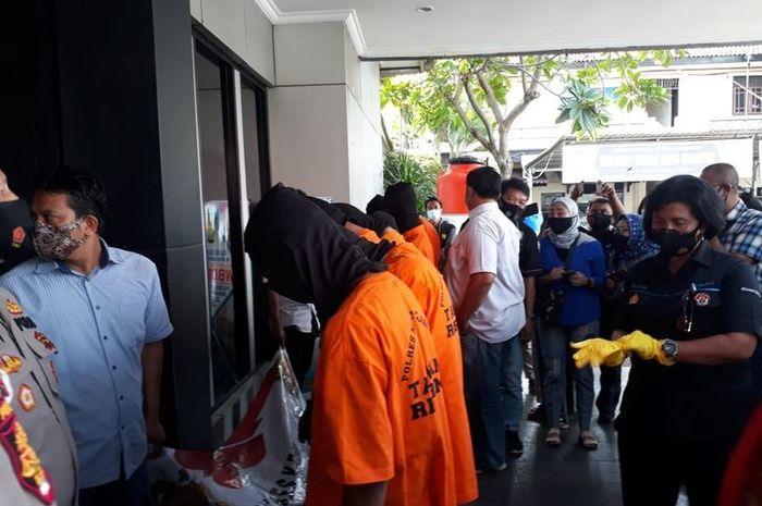 Geng motor pelaku begal sadis di Bekasi berhasil ditangkap polisi.