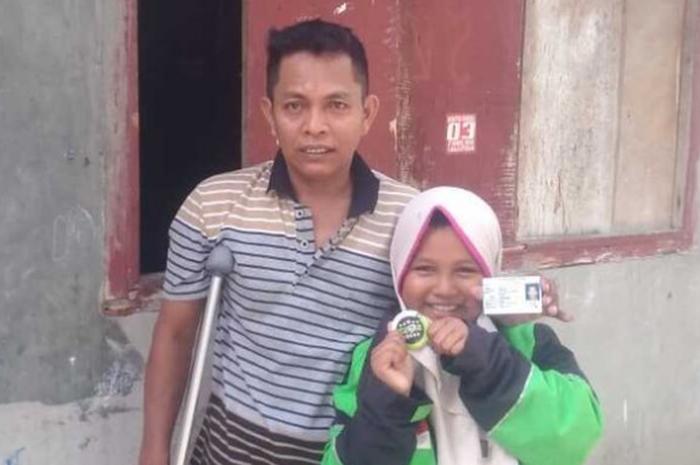 Bocah Perempuan Viral yang Ambil Order Ojol Ternyata Bantu Sang Ayah