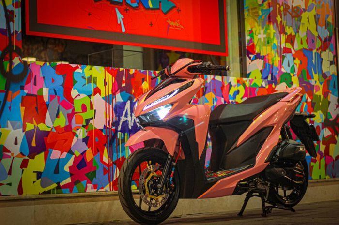 Modifikasi Honda Vario, konsepnya full pinky, pengereman dibuat maksi.