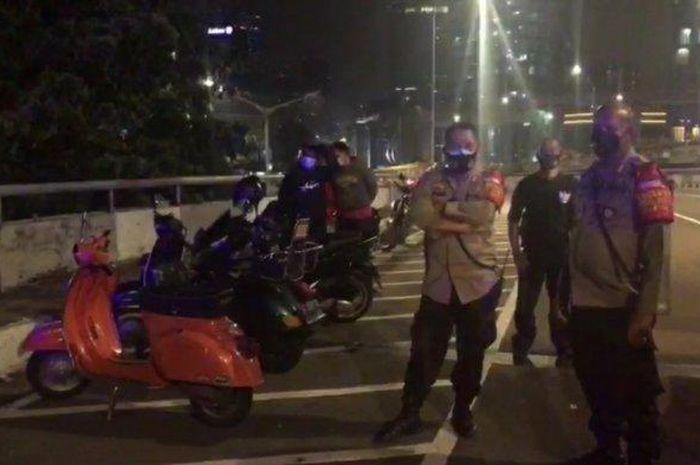 Bikers harus waspada, Polisi akan membubarkan klub motor yang berkonvoi dan berkumpul di bahu jalan.