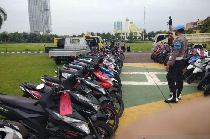 Polisi gagalkan puluhan motor curian dikirim ke luar negeri