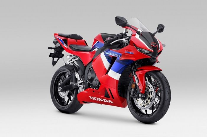 Motor Honda CBR600RR resmi dijual di Indonesia, harganya bikin bikers melongo.