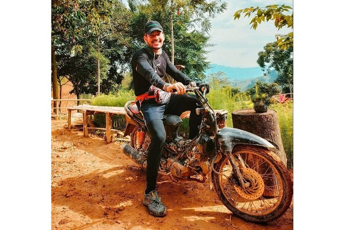 Pernah berpose naik motor bebek, Robby Purba mengaku kapok dihujat netizen gara-gara video viral ini.