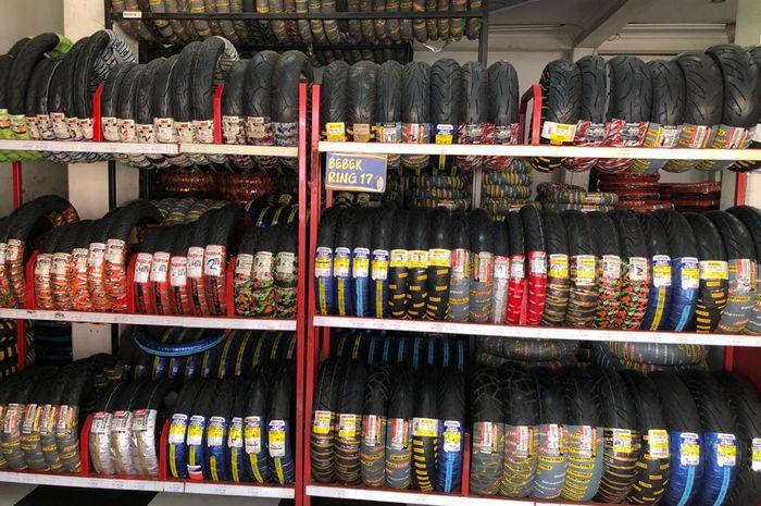 Akhirnya terjawab, inilah alasannya kenapa ban tubeless yang masih fresh di toko ada lapisan lilinnya.