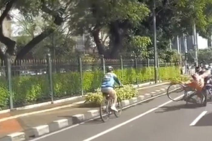 Motor sport tabrak pesepeda di Jakarta