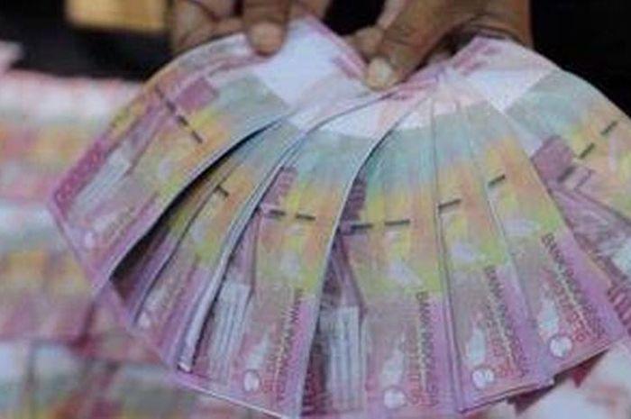 Ilustrasi uang bantuan pemerintah Rp 3,55 juta dari program Kartu Prakerja