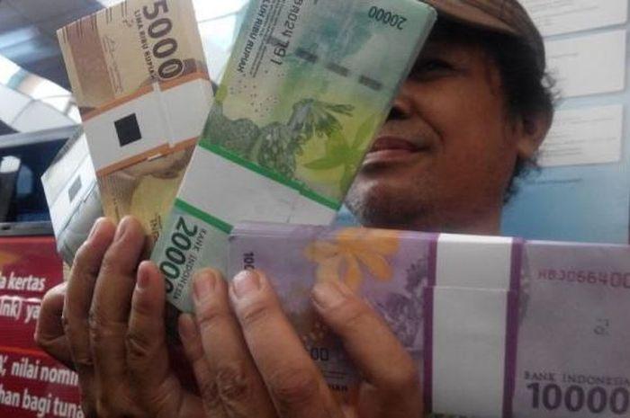 Ilustrasi uang bantuan pemerintah atau BLT langsung tunai