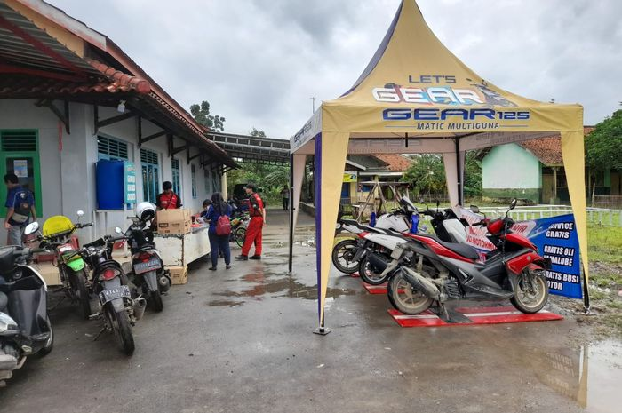 Posko servis gratis Yamaha buat korban banjir di Jawa Barat