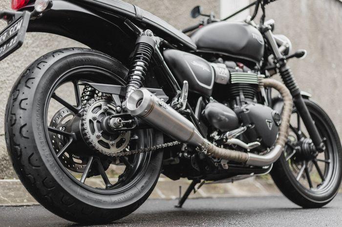 Thrive Motorcycle perkenalkan produk baru knalpot dan footstep untuk Moge bikinan lokal.
