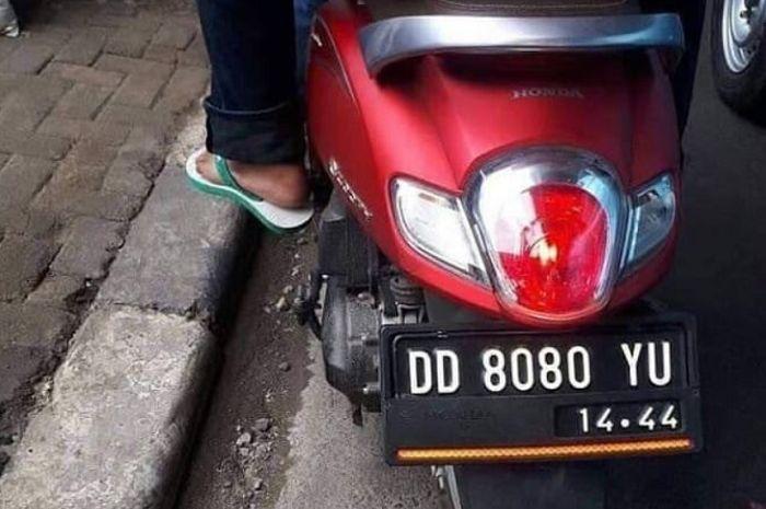 Ilustrasi pelat nomor di Indonesia