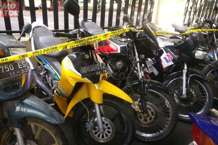 Motor-motor langka alias harta karun ini ditemukan di rumah kosong di Laweyan, Solo, Rabu (24/2/2021).