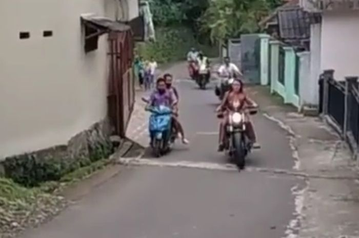 Amanda Manopo geber motor gede