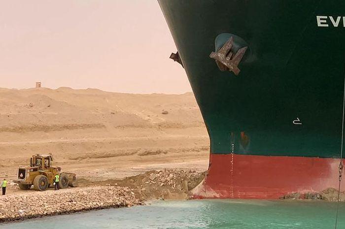 Gara-gara kapal kontainer Ever Given terdampar, pengiriman motor pabrikan Ducati dari Italia ke Asia mengalami dampaknya.